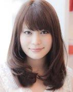 流行发型 不同脸型适合的中长发烫发