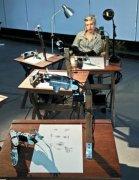 艺术家特雷塞的机器人 画出逼真素描