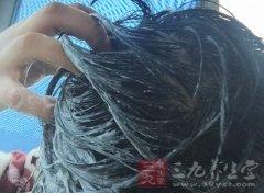 怎么洗头发最好 洗头时做这事头发黑亮有光泽