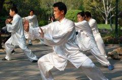 24式简化太极拳的技巧_练习太极拳有哪些技巧