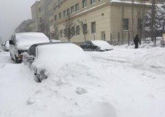 外媒:雪天行车难 汽车保养有技巧